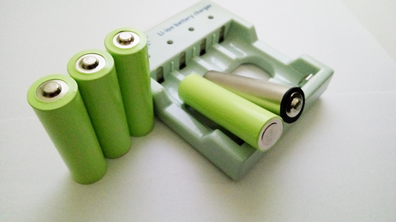 Nickel Metal Hydride Battery >> The Best 1.5 volt AA rechargeable lithium batteries LiAA
